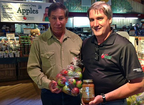 U.S. Department of Agriculture (USDA) Under Secretary for Marketing and Regulatory Programs (MRP) Edward Avalos and Lyman Orchards owner John Lyman III tour the orchard's Apple Barrel Market in Middlefield, CT