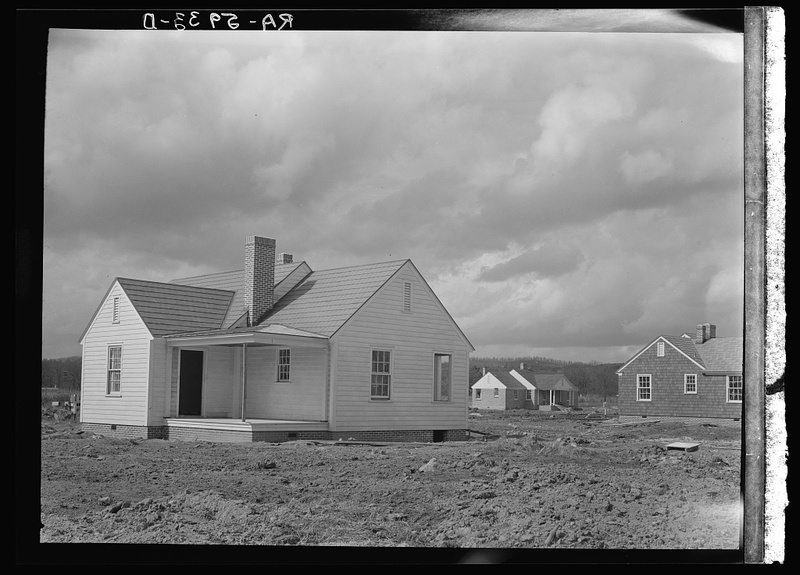 One of the new houses at Slagheap Village, Alabama.jpg