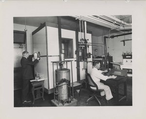Thumbnail for the first (or only) page of Observer operating large calorimeter, Washington D.C..