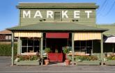 Farmers Market Stand: Copyright: iStock Photos