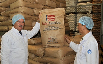 Acting Under Secretary for Farm and Foreign Agricultural Services tours a factory in Ho Chi Minh City, Vietnam